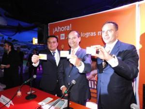 José Antonio Garcia León, director general de Up Sí Vale -centro-, durante el lanzamiento de Más Despensa (+Despensa),