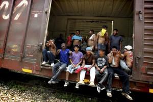 Migrantes pasdan por las_choapas