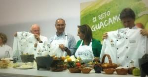 El secretarioJosé Calzada de SAGARPA  encabezó el reto guacamole, un divertido concurso en el que también participaron los secretarios de Salud, José Narro; de Relaciones Exteriores, Claudia Ruiz Massieu; y de Turismo, Enrique de la Madrid.