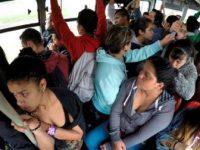 Viajan casi 4 millones de mujeres al día en transporte público