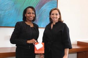 FOTO 1 Canciller Claudia Ruiz Massieu con la Alcaldesa de San Antonio, Ivy Taylor