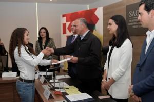 Secretrario José Calzada ´da apoyo a jóvenes emprendedores