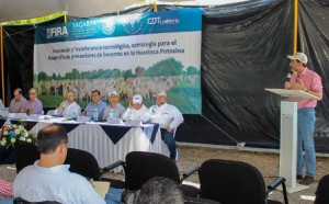 """Francisco Gurría Treviño, quien con la representación de titular de la SAGARPA, José Calzada Rovirosa, asistió al """"Día Demostrativo de Innovaciones Tecnológicas para la Producción de Carne de Bovino a Bajo Costo"""""""