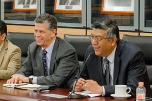 El coordinador general de Asuntos Internacionales de la SAGARPA -izq-, Raúl Urteaga Trani, se reunió con funcionarios de entidades públicas y privadas de la República de Corea del Sur