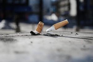 ccolillas de cigarro son un problema de salud