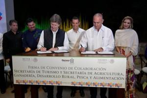 Firman los secretarios José Calzada y Enrique de la Madrid convenio de colaboración para incrementar proveeduría nacional de alimentos en hoteles, restaurantes y líneas aéreas