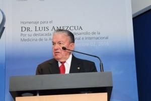 El Ing. Roberto Kobeh González, manifestó su reconocimiento al Dr. Luis Amezcua